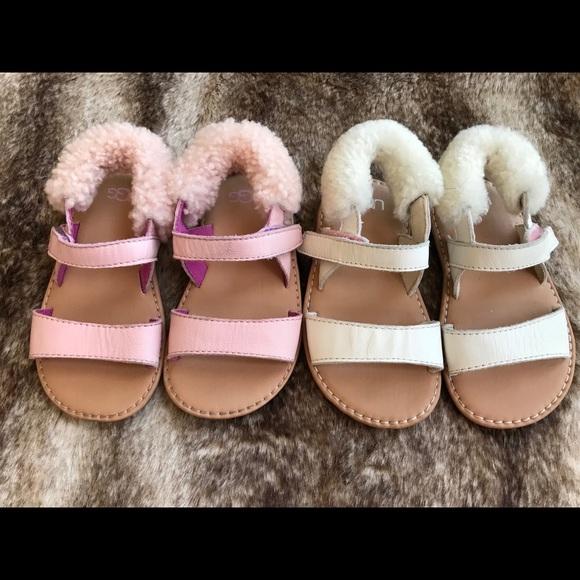 8d9e06ceb4f UGG Dorian Size 6/7 Sandals